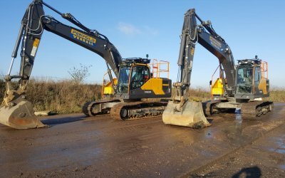 Welcoming two new Volvo EC220's!